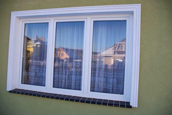 Proste obramowania okienne