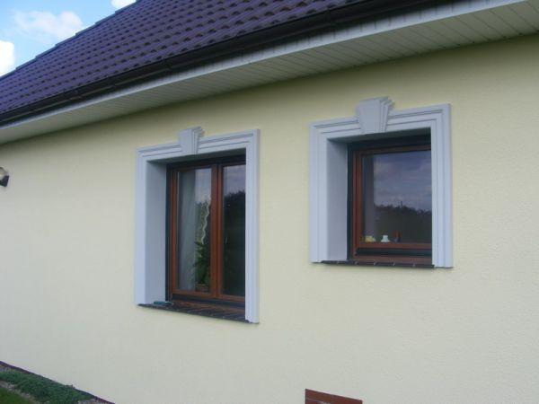 Klasyczna fasada z listwami elewacyjnymi